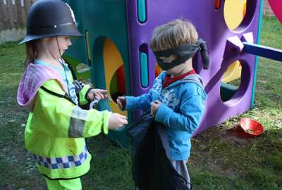 childcare nottingham children playing cops and robbers